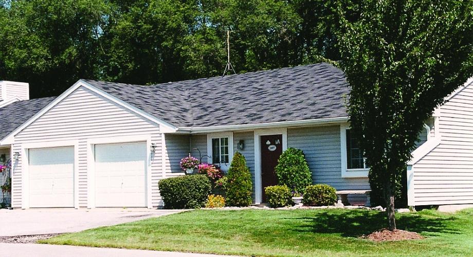 Car Rental Fort Wayne: Lake Forest Village Apartments For Rent