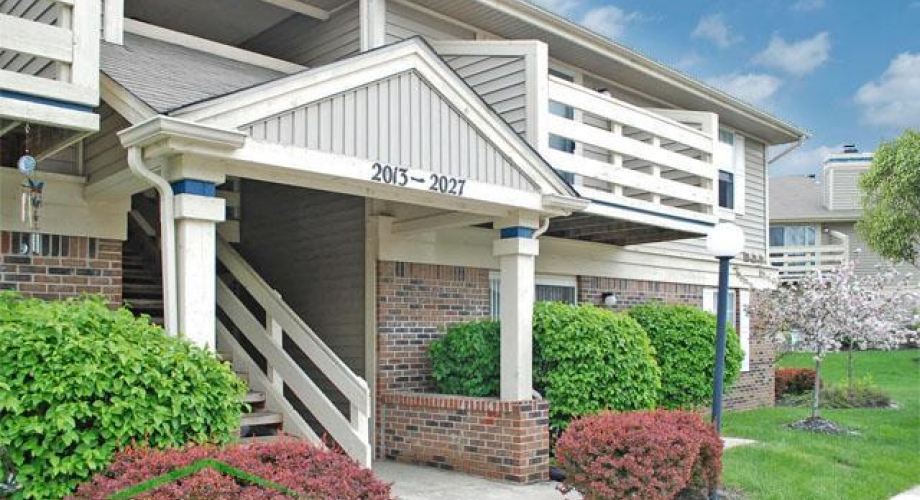 Arbor-Lakes-Fort-Wayne-Apartment