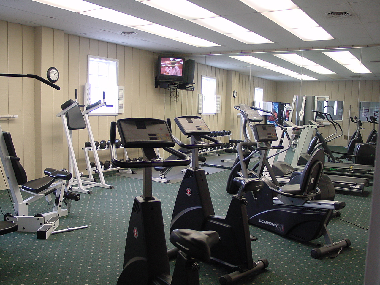 Car Rental Fort Wayne: Colony Bay Apartments For Rent Southwest Fort Wayne